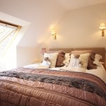 Snowdrop Cottage - King or Twin bedroom