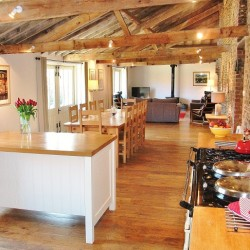 25 Kitchen to lounge